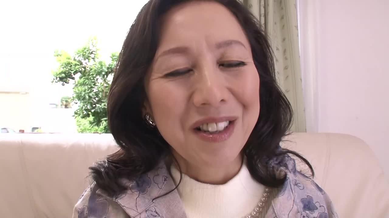 【高倉みき/53歳/五十路】素人の高齢熟女が初脱ぎ初撮りAVデビューするドキュメント企画